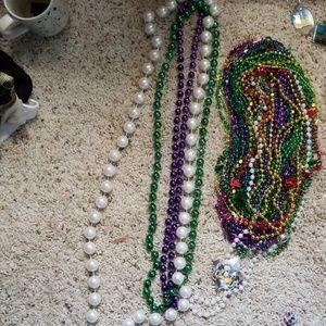 Jewelry - Beaded necklaces